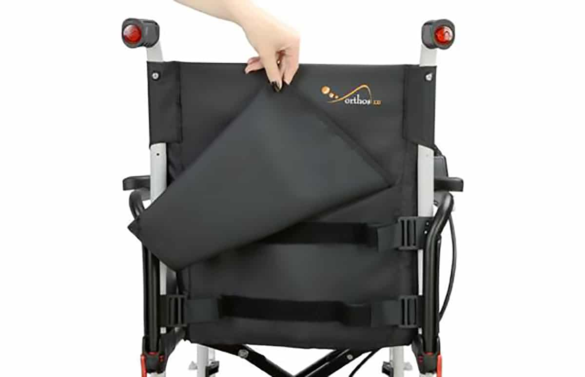 Encosto de cadeira de rodas, visto de traseira