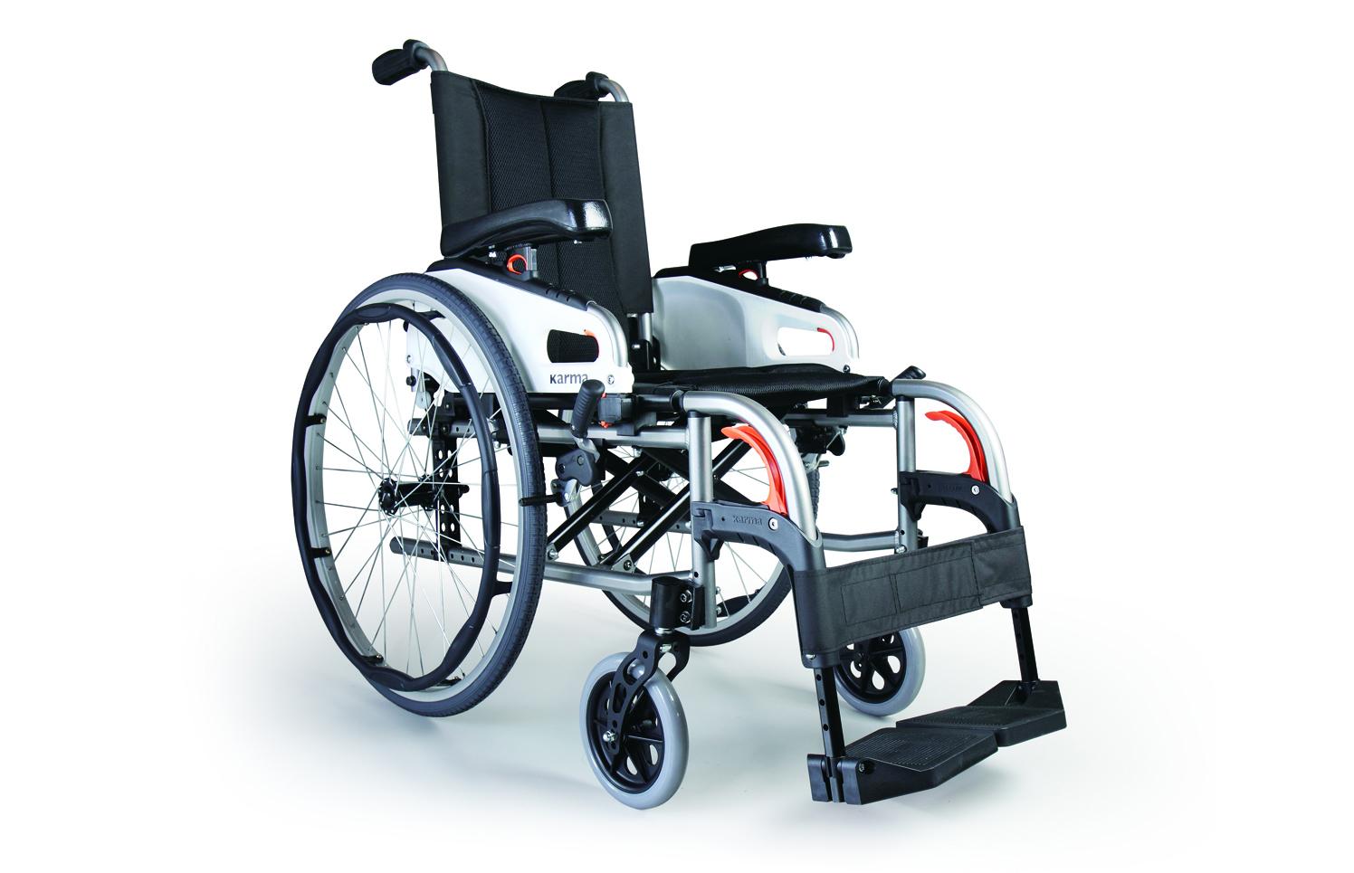 Cadeira de rodas manual preta, com travões vermelhos, vista de perfil
