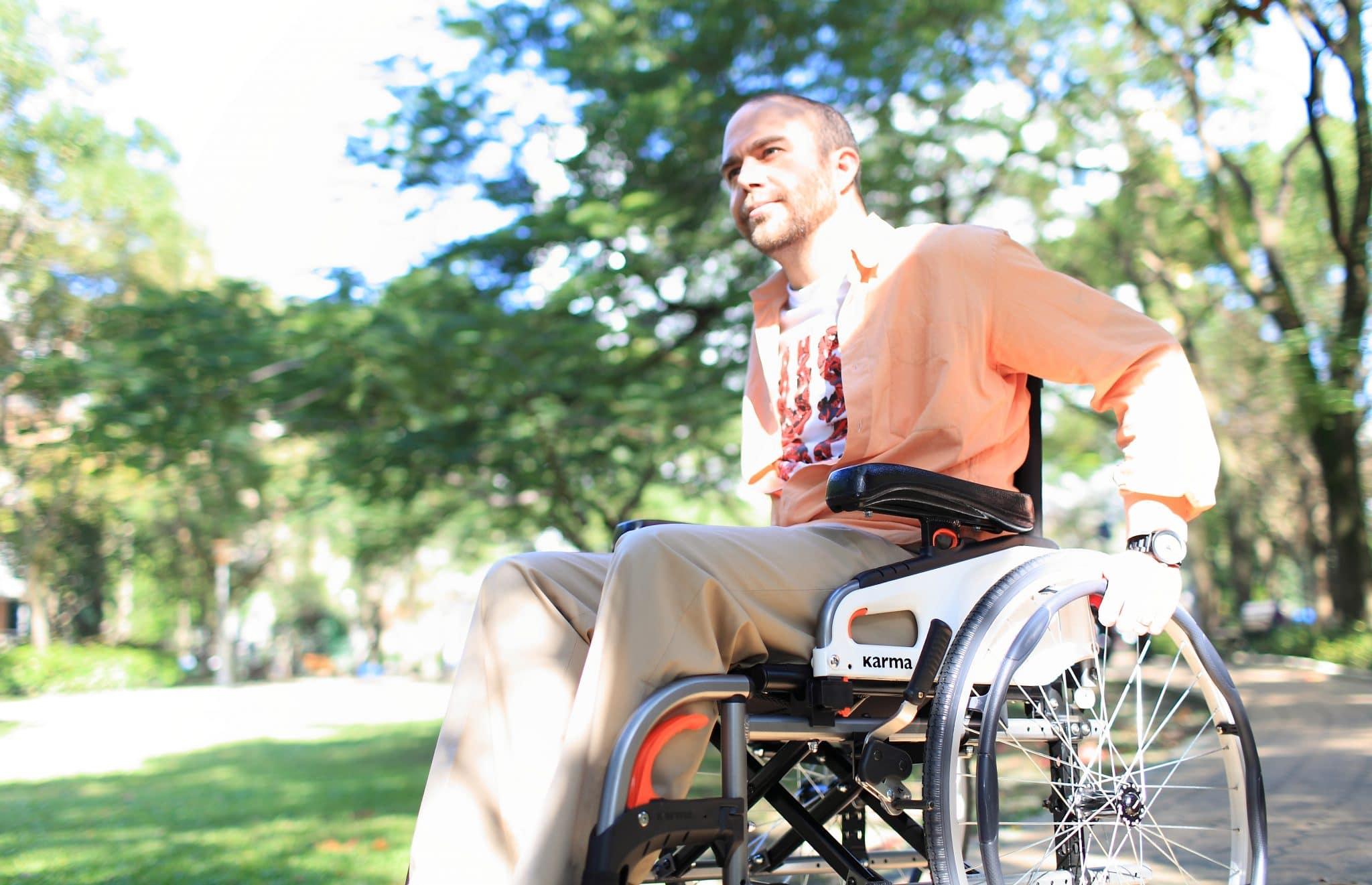 Utilizador de cadeira de rodas manual