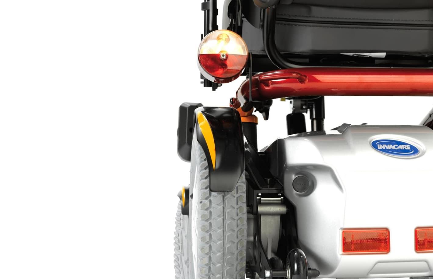Cadeira de rodas elétrica, com vista aumentada de traseira