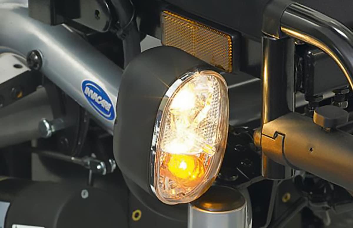 Pormenor de luz de cadeira de rodas elétrica