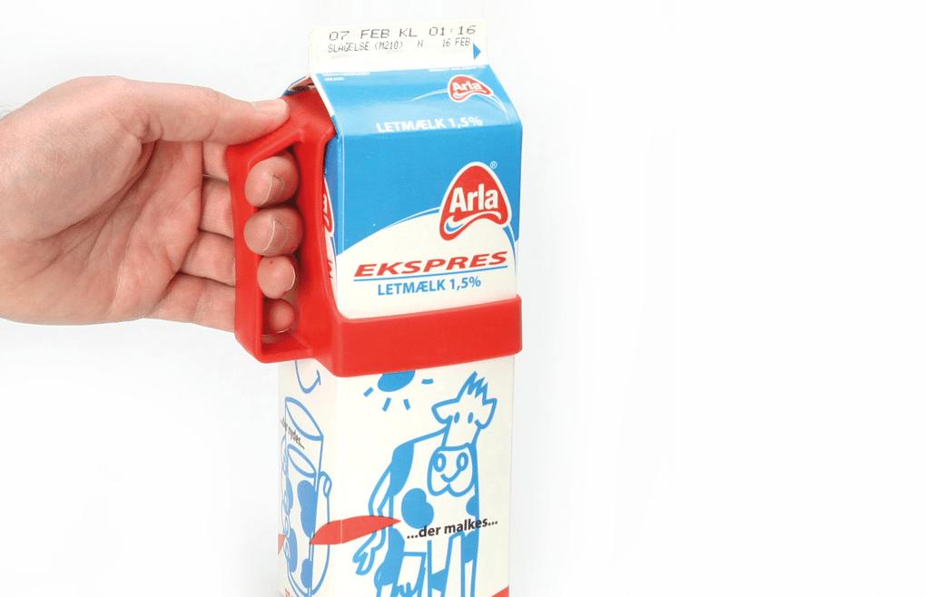 Embalagem de leite, com suporte vermelho para segurar na embalagem