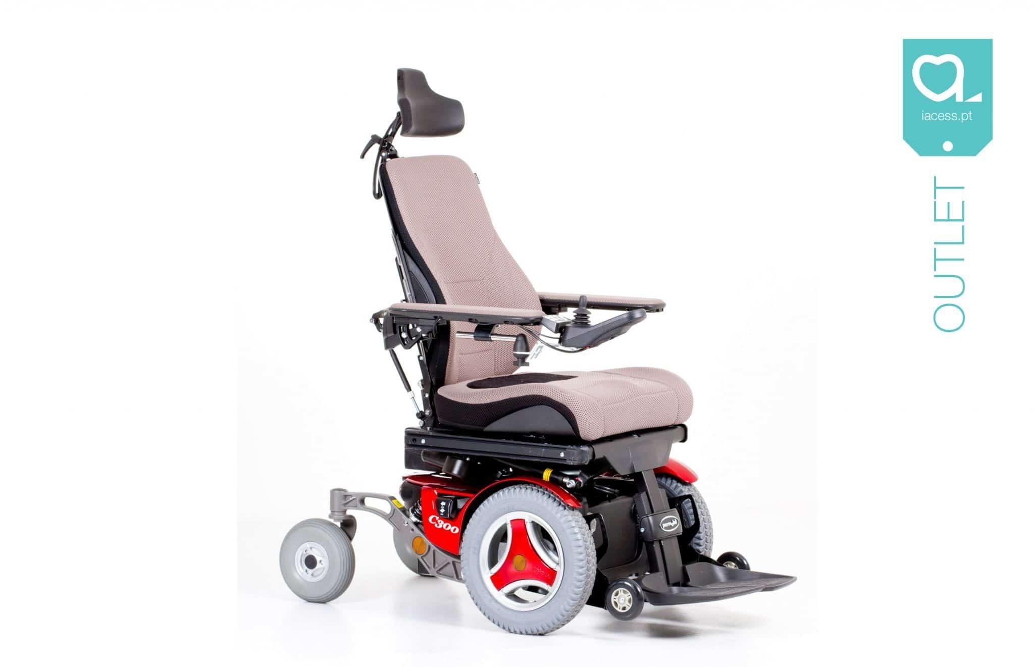 Cadeira de rodas elétrica vermelha