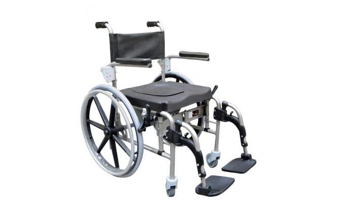 Cadeira de Banho Arctic da Orthos XXI, também para uso sanitário, em aço, de elevada resistência e durabilidade. Disponível no modelo de auto-propulsão.