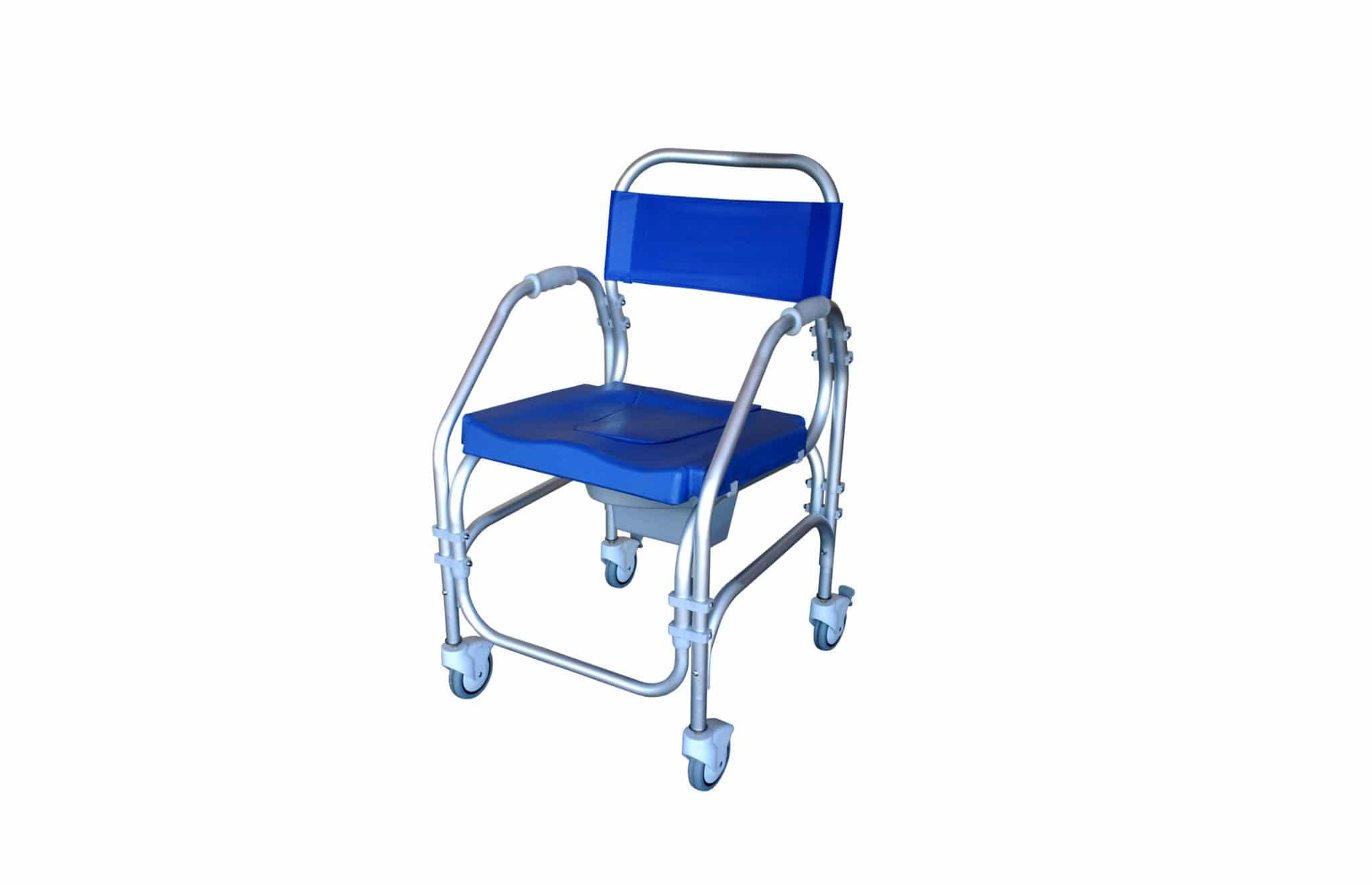 Cadeira de banho azul, com estrutura em alumínio