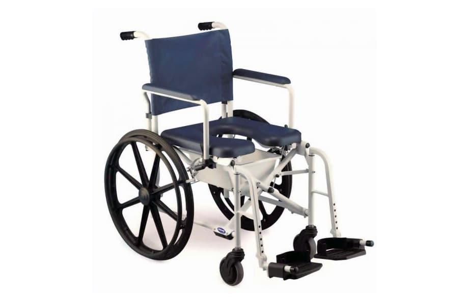 Cadeira de banho azul com estrutura em alumínio e roda grande