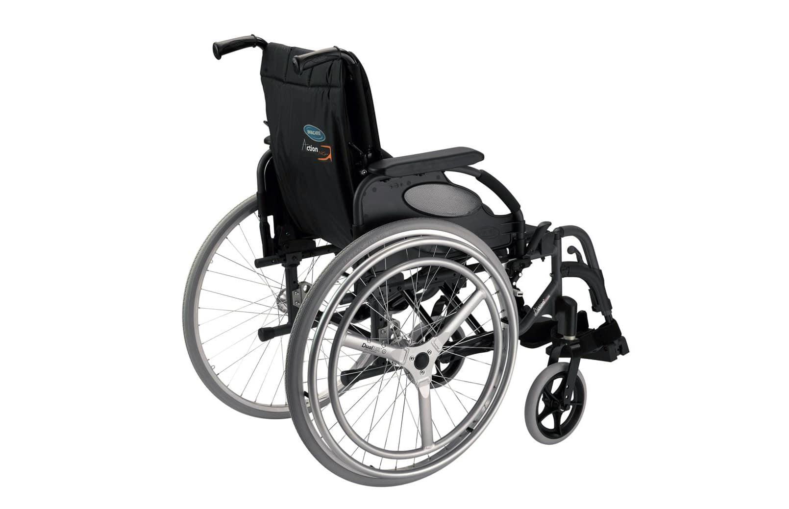Cadeira de rodas manual de traseira
