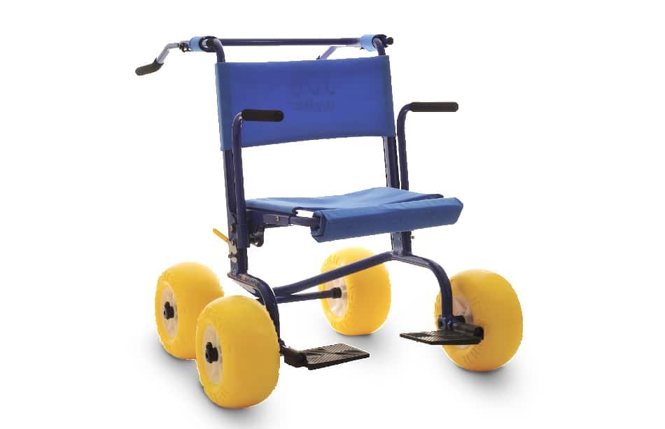 Andarilho para praia e piscina Job Walker da Neatech, em alumínio, altamente resistente à água, com assento rebatível podendo ser utilizado como cadeira.