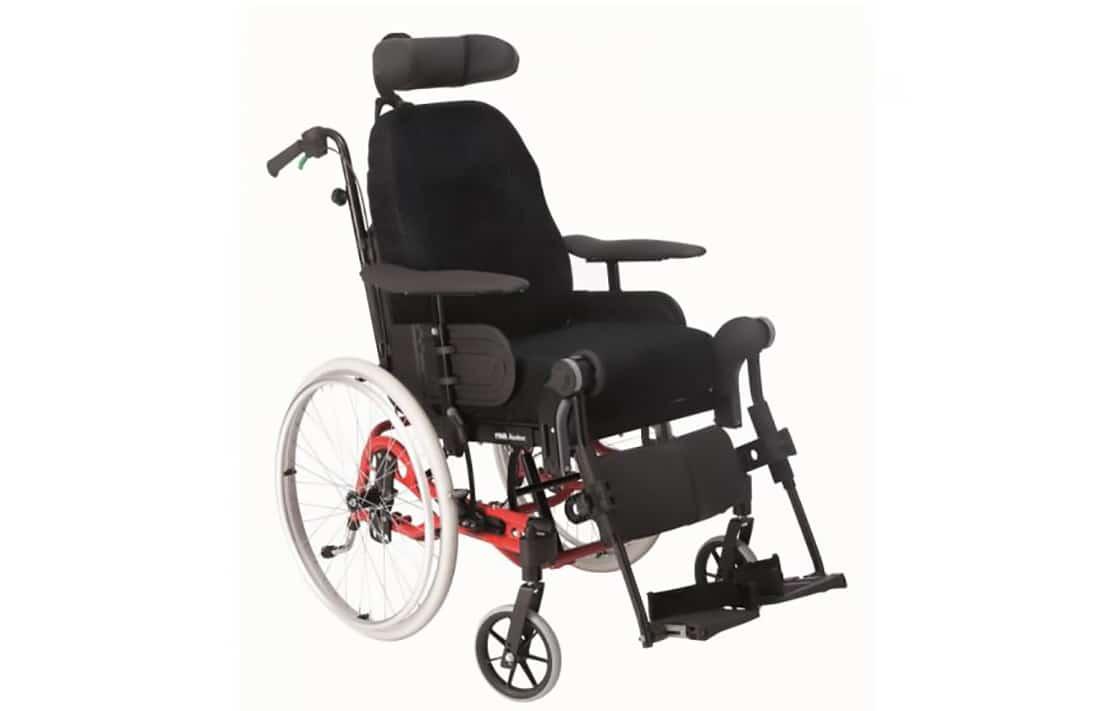 Cadeira de rodas manual vermelha