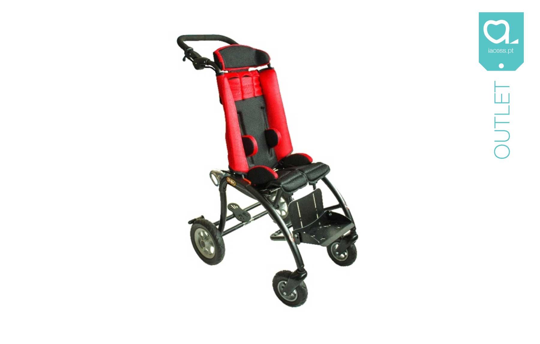 Cadeira pediátrica vermelha