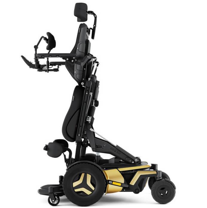 Permobil F5 VS cadeira de rodas elétrica de verticalização